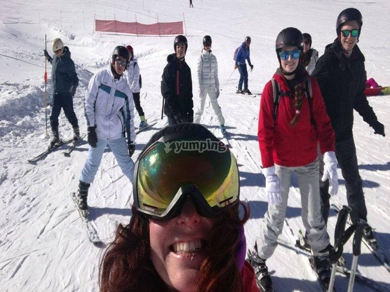 在内华达山脉滑雪
