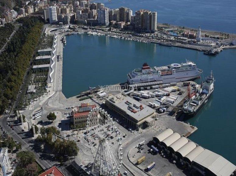Muelle Uno de la capital de la costa del sol