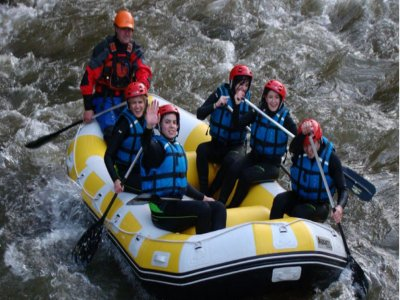 2h rafting in the rough Ebro waters in Palencia