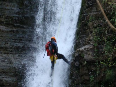 3h canyoning for beginners in Vega de Pas