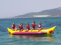 Listos para divertirnos con una ruta de banana boat