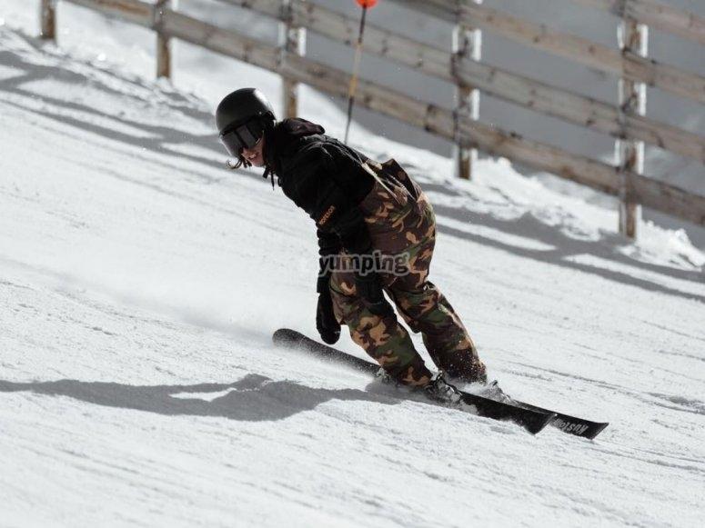 内华达山脉的滑雪日