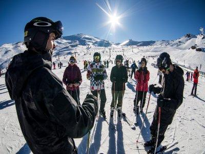 Clase de esquí en Sierra Nevada para principiantes
