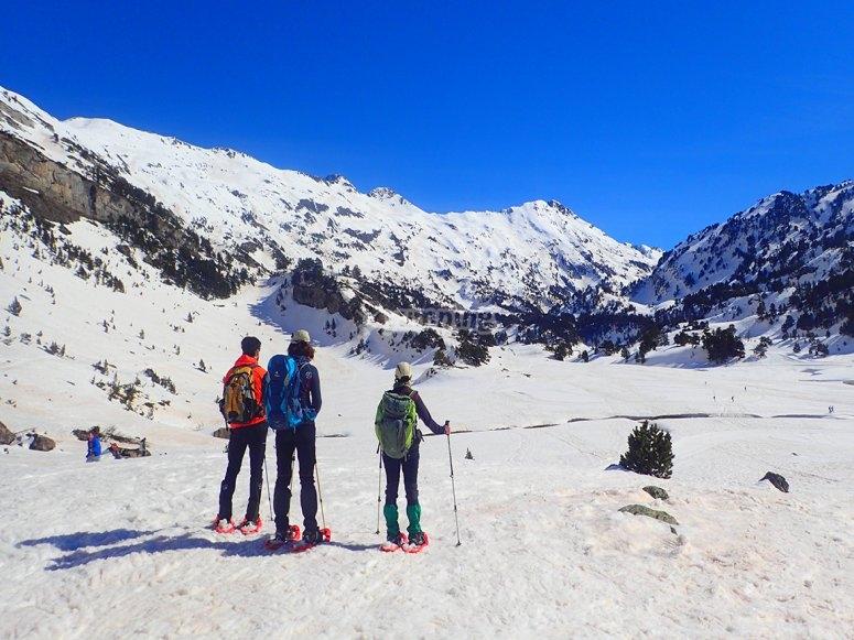 Ruta raquetas de nieve con amigos