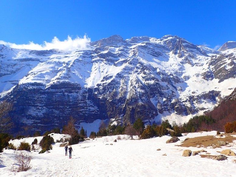 Montanas nevadas en Ordesa