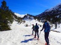Snowshoes trip in Ordesa half day