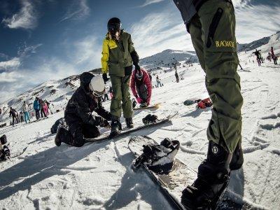 Iniciación al snowboard Sierra Nevada con material