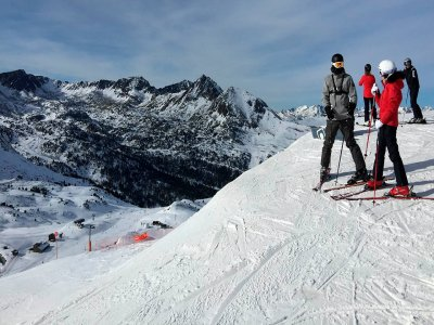 滑雪设备出租Sierra Nevada 2天