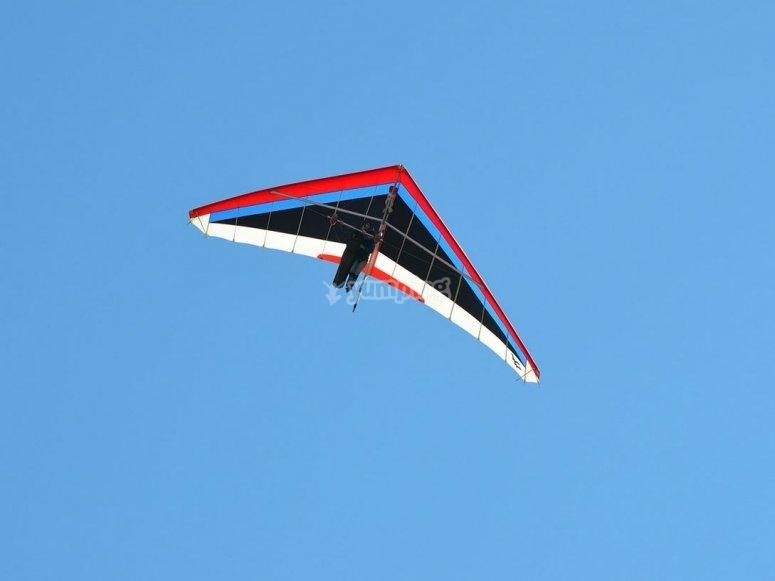 悬挂式滑翔机串联飞行