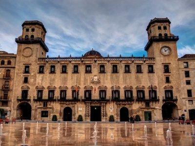 Visita guiada con  juego quiz en Alicante 3 horas