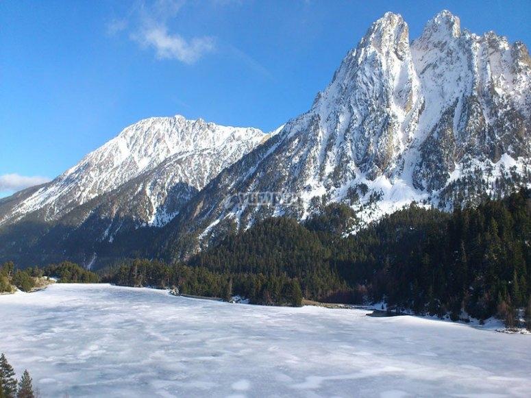 Aiguestortes国家公园冬季