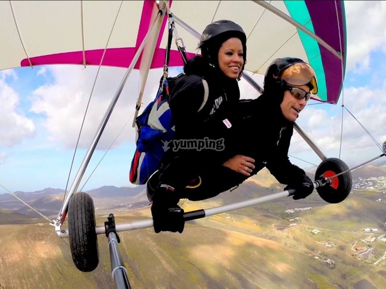 Tandem hang glider flight in Canarias