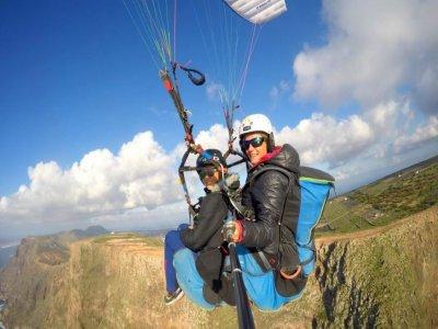 Parapente para niños en Lanzarote vuelo de 15 min