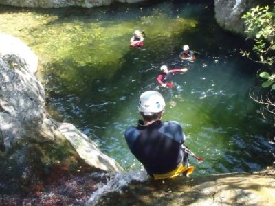 Barranco de Mas Calsan中级法国比利牛斯山脉