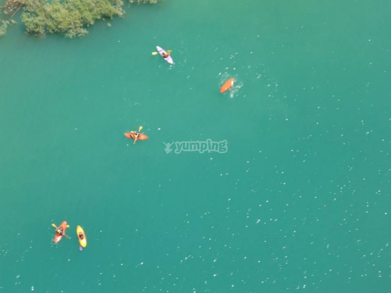 Bird's-eye view of the canoes in the lake