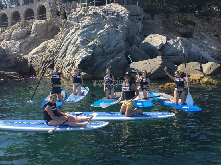 Paddlesurf class with an instructor