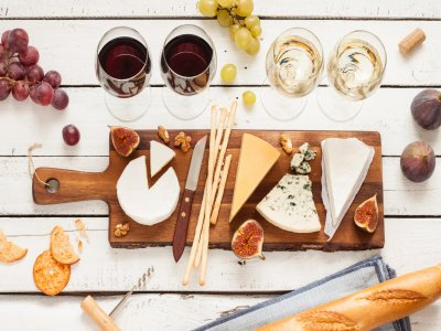3 wines and 3 cheeses pairing La Rioja wine cellar