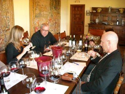 在里奥哈酒庄品尝葡萄酒的私人课程