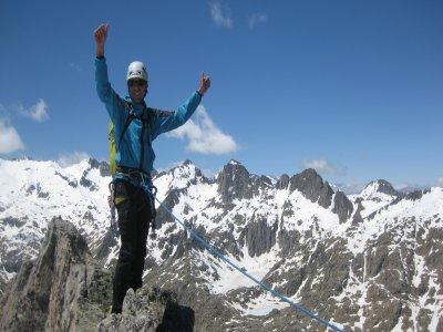 Escalada por cresta en el Pirineo 6 horas