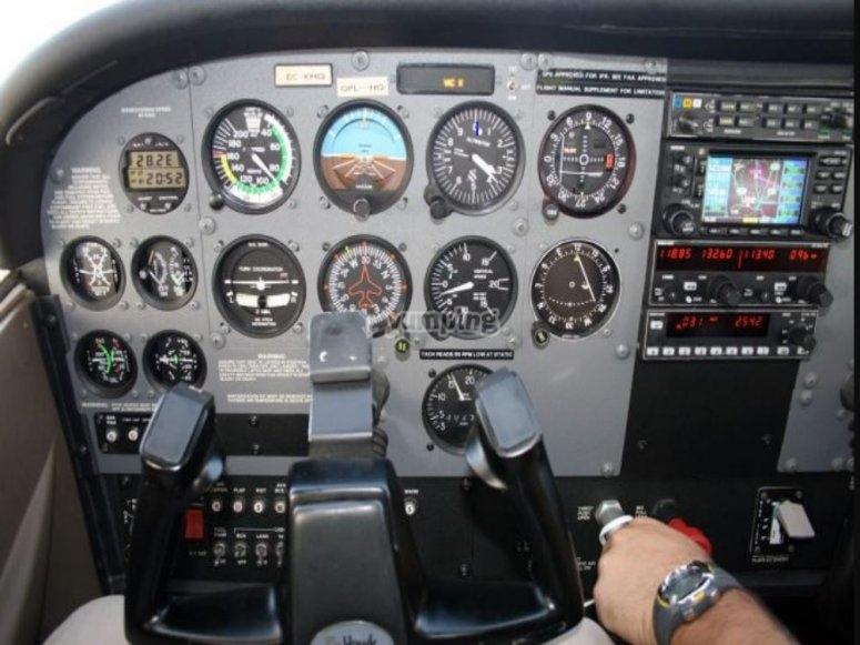Pilotando el ultraligero