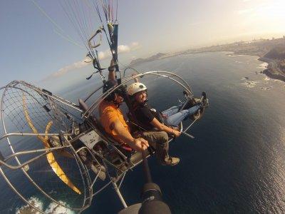 Volo in paramotore sull'isola di Gran Canaria