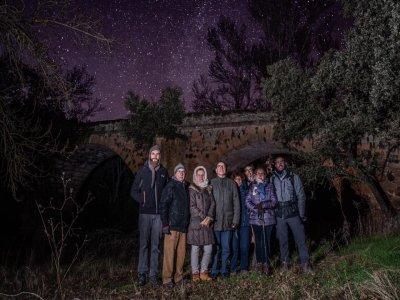 夜间徒步旅行并在Pirón山谷中嬉戏