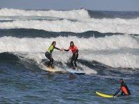 富埃特文图拉岛北部的初学者冲浪