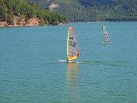 Noleggio di windsurf nel serbatoio di Benagéber 2h