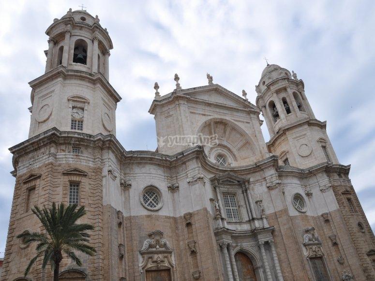 Visita Guiada y Entrada a Monumentos en Cadiz Catedral