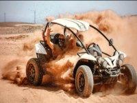 Levantando polvo con el buggy