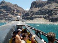 标志taxiboat大加那利海岸寻找到船从船上