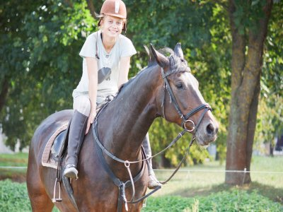 60 minute horseback tour Sobrarbe near river Ará