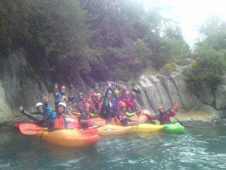Foto de grupo a canoa
