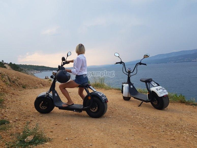穿过大加那利岛的电动滑板车路线