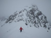 Disfruta de la nieve y la montaña con el esquí