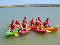 Grupo posando en el agua
