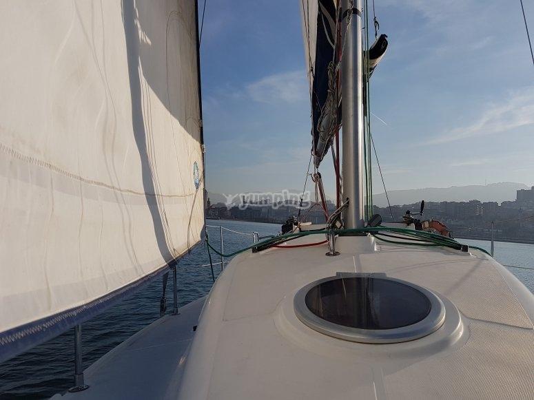 途中的帆船