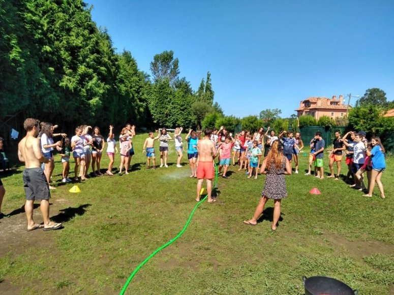 Afternoon games with water