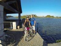 en bici por el lago