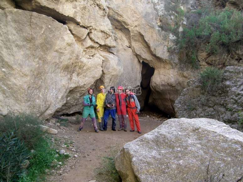 Groups of friends spelunking