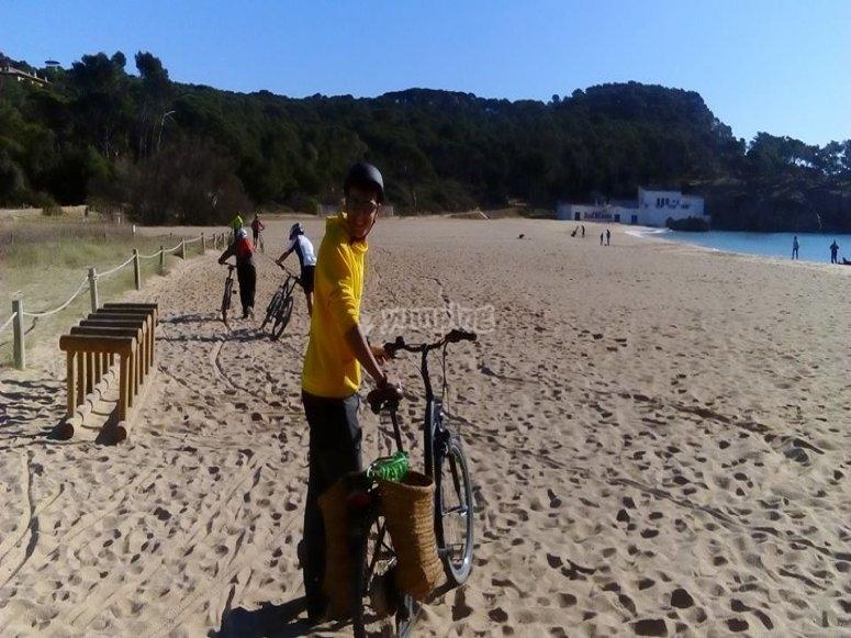 Playa y burricicleta