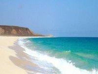 playa de fuerteventura con aguas tranquilas