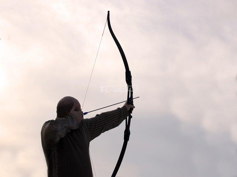 Apuntando con el arco