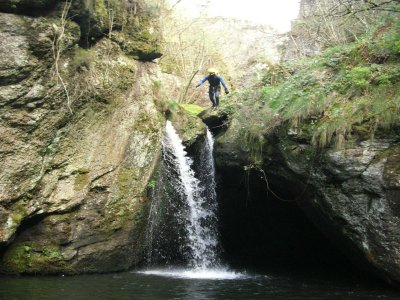 Level 3 Water canyoning in Cantabria 3-5 h