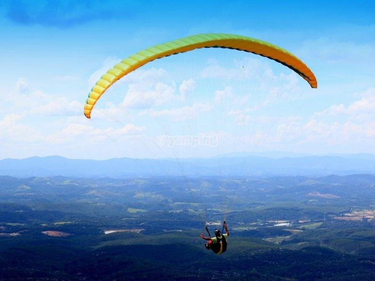 Paraglide flight over Extreamdura