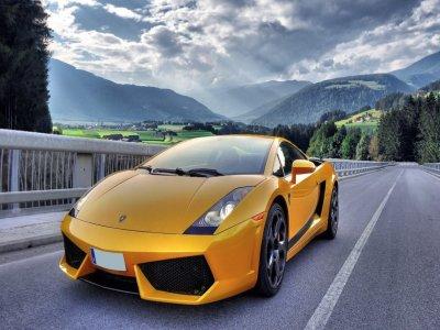 Alla guida di una Lamborghini Gallardo a 22 km da Barcellona