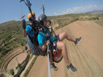 Individual paragliding for 2 and video Madrid