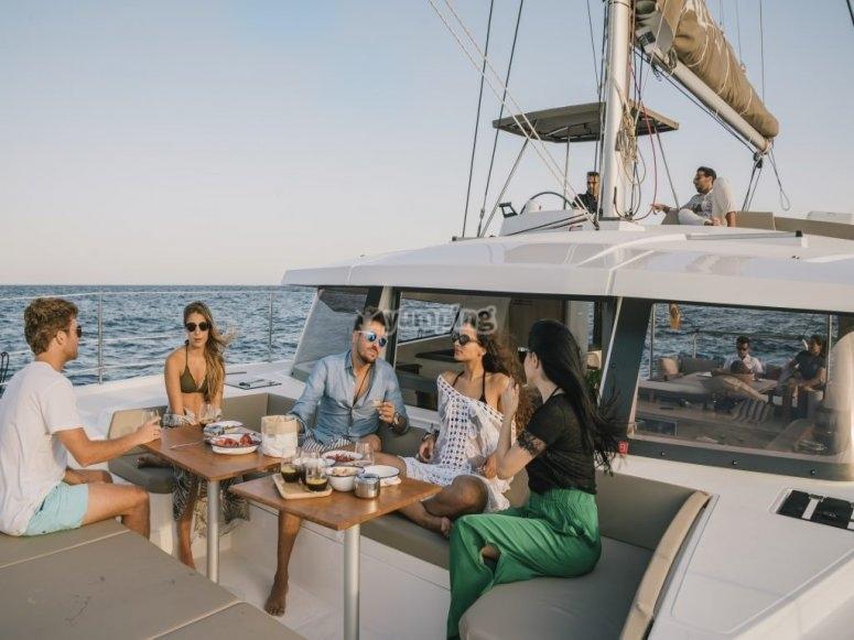 巴塞罗那双体船