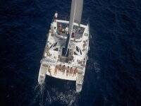在双体船和香蕉船大加那利岛游览