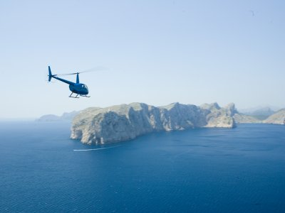 30 min helicopter flight for 2 or 3 in Son Bonet